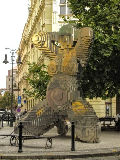 In Utero, David Černý Statue in Prague